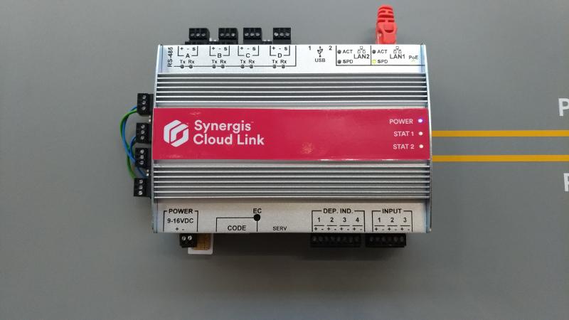 Le Synergis Cloud Link embarque 3 emplacement de cartes SAM pour assurer la sécurisation des données. © Agence TCA