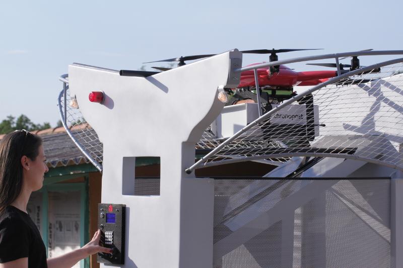 « Une application, un drone », telle est la philosophie du constructeur français Atechsys qui plaide en faveur de drones sur mesure et autonomes. © Atechsys