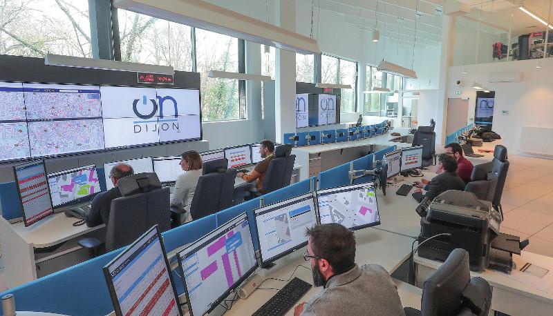 Le poste de pilotage d'OnDijon met en interaction six postes de commandement jusqu'ici séparés. ©Suez