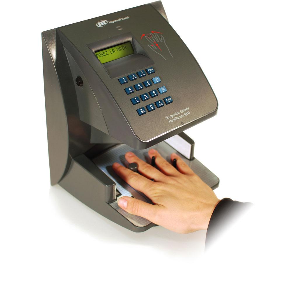 Les lecteurs d'empreinte de la main offrent une grande robustesse. © Bodet Software