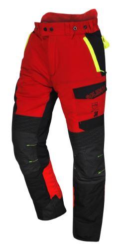Le pantalon Infinity protège des tronçonneuses tournant à plus de 90 km/h. © Solidur