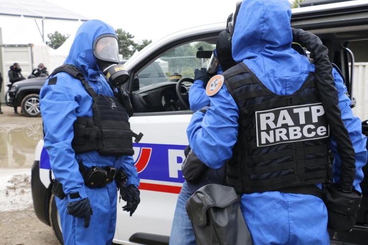Exercice NRBC mené par la RATP. © Ouvry