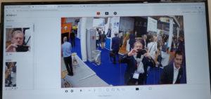 Un écran d'ordinateur montre qu'à partir d'une vue réelle filmée par une caméra de vidéosurveillance, la reconnaissance faciale permet de créer à la volée le profil des individus.