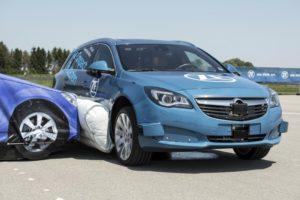 L'airbag extérieur amoindrit le choc latéral