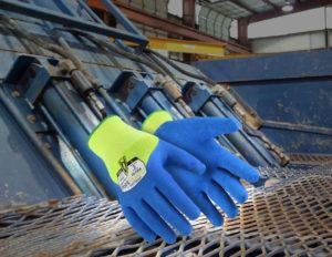 les-gants-ont-ete-enduits-de-trois-couches-de-resine-minerale-renforcee