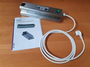 cette-lampe-portative-permet-de-desinfecter-les-accessoires