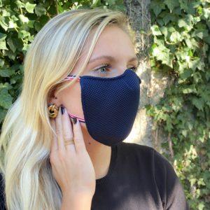 le-masque-ergo-pro-se-presente-sous-la-forme-d-une-resille-3d-polester-et-lycra