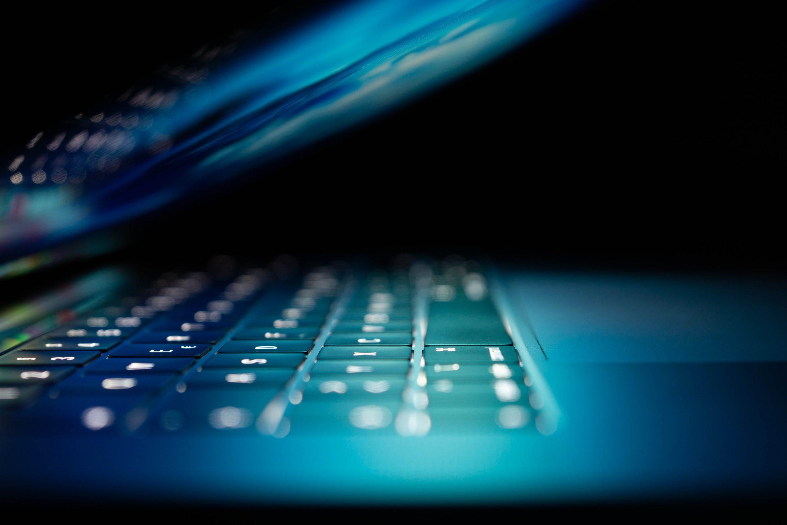 l-operation-#-open-solidarity-permet-aux-entreprises-de-decouvrir-une-cinquantaine-d-applications-cloud-pour-se-digitaliser.