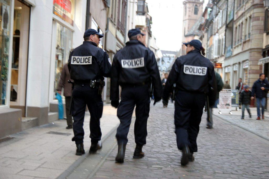 le-livre-blanc-n-aborde-pas-le-sujet-des-violences-policieres-ni-celui-des-contrôles-d-identite-au-facies.