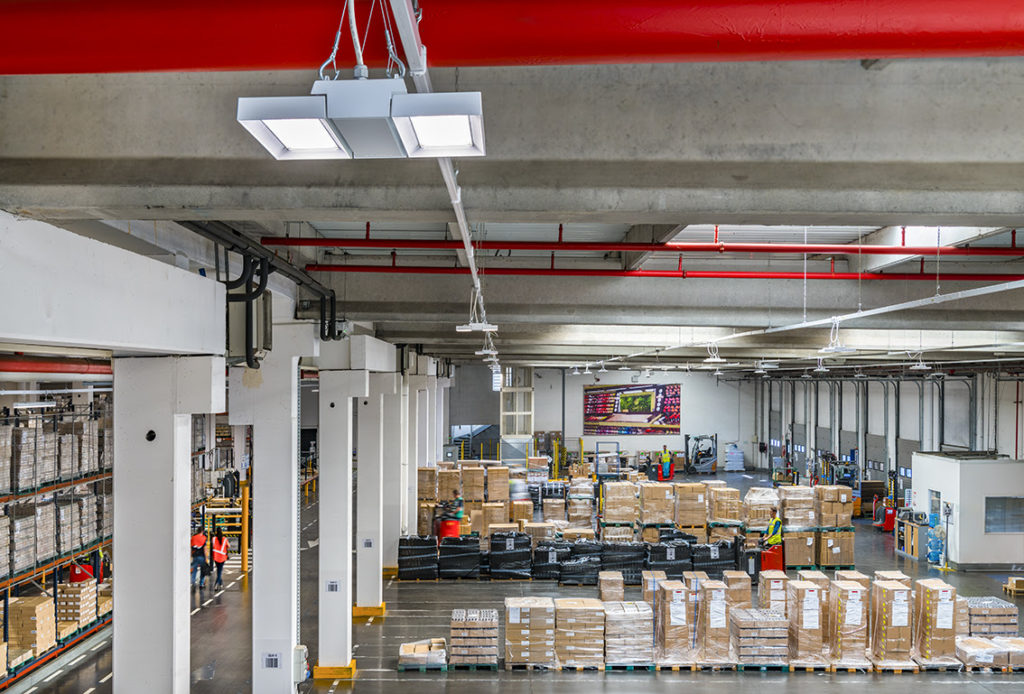 la-renovation-concerne-un-site-de-stockage-de-33000m2-base-en-bretagne