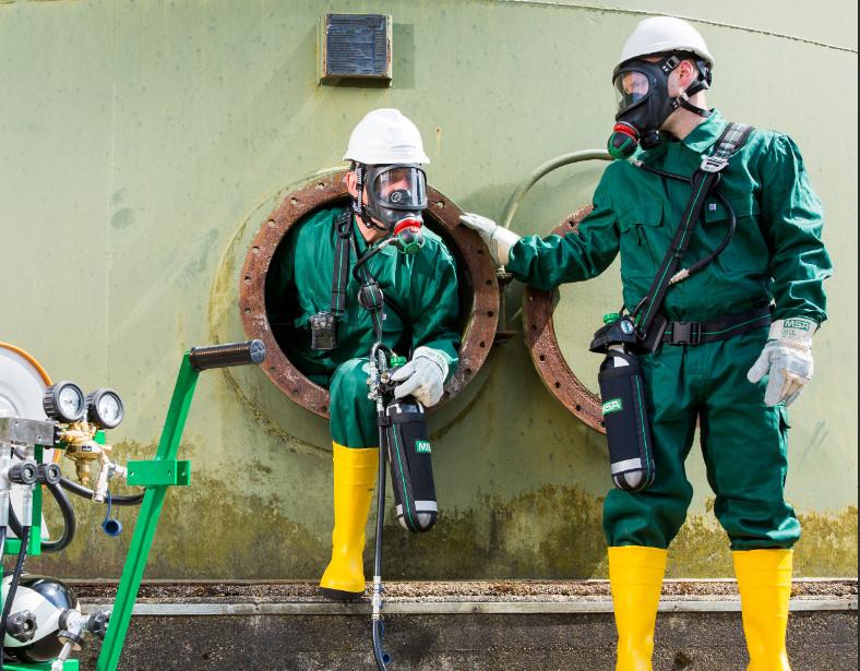 La-protection-respiratoire-permet-de-travailler-en-toute-securité-dans-des-lieux-confines-msa