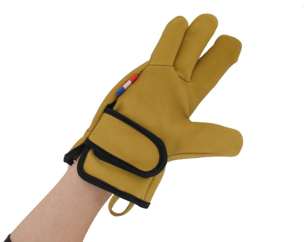 rostaing-conçoit-des-gants-sur-mesure-pour-les-mains-amputees