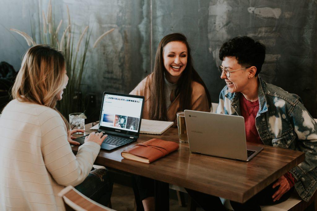 pour-les-jeunes-generations-il-est-essentiel-de-se-sentir-bien-au-travailla-QVT-est-