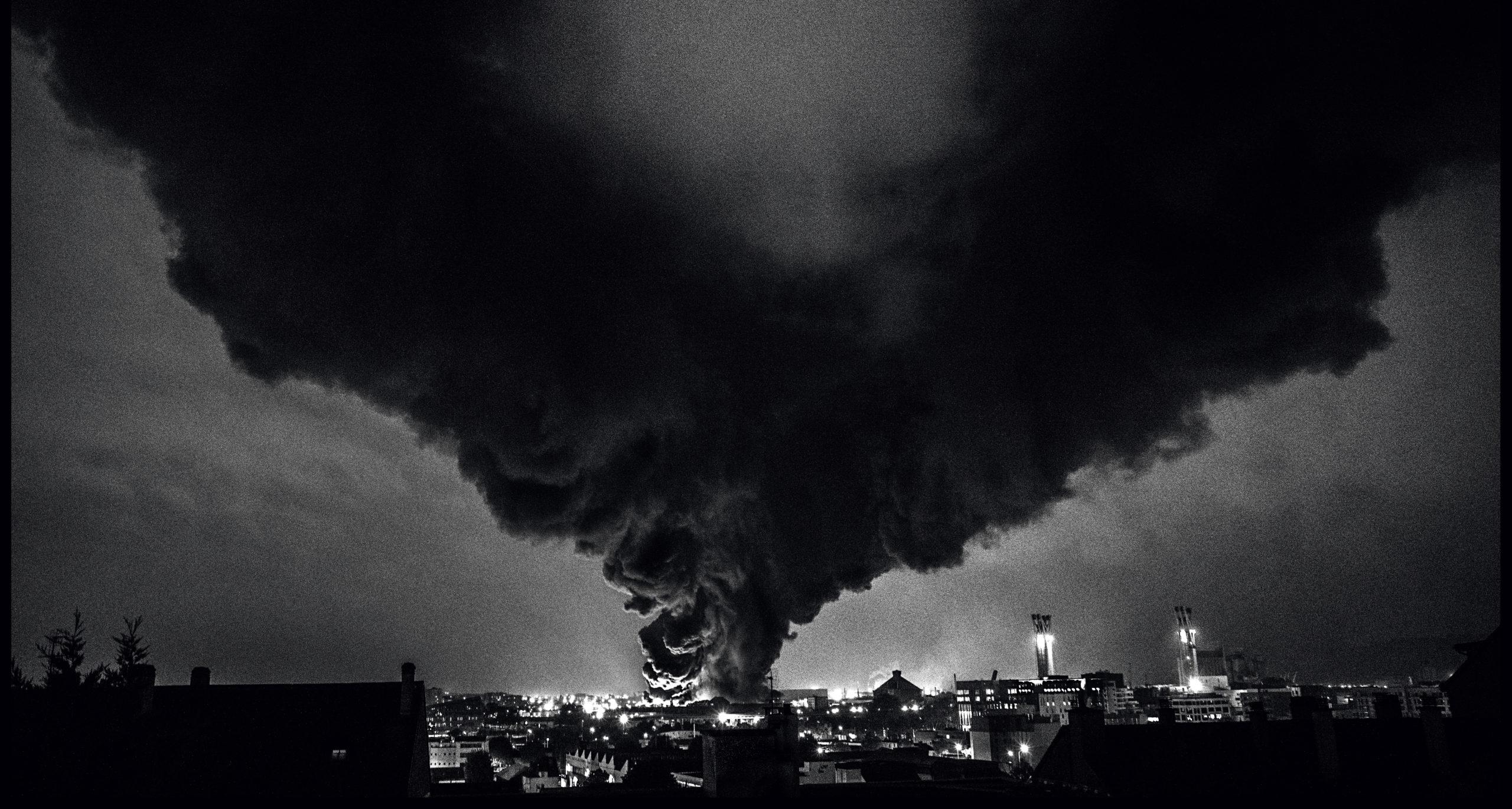 pres-de-10000-tonnes-de-produits-chimiques-ont-brule-dans-l-incendie-de-l-usine-lubrizol-ainsi-que-chez-son-voisin-normandie-logistique.