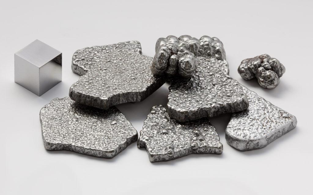 ragments-de-fer-pur-a-99,97%-raffines-par-electrolyse. CC Alchemist-hp