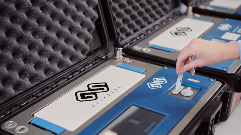 le-scanner-detecte-les-explosifs-artisanaux-en-une-minute