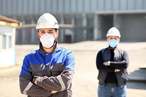 le-pass-sanitaire-va-exempter-les-professionnels-intervenant-dans-les-erp-de-porter-un-masque