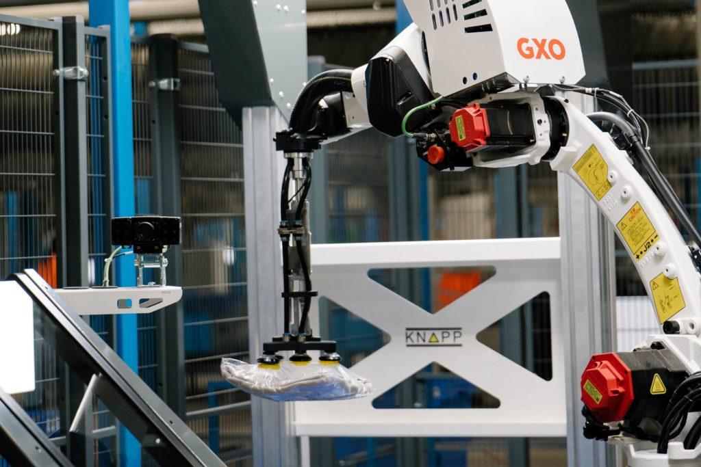 le-robot-possede-un-systeme-de-vision-intelligent