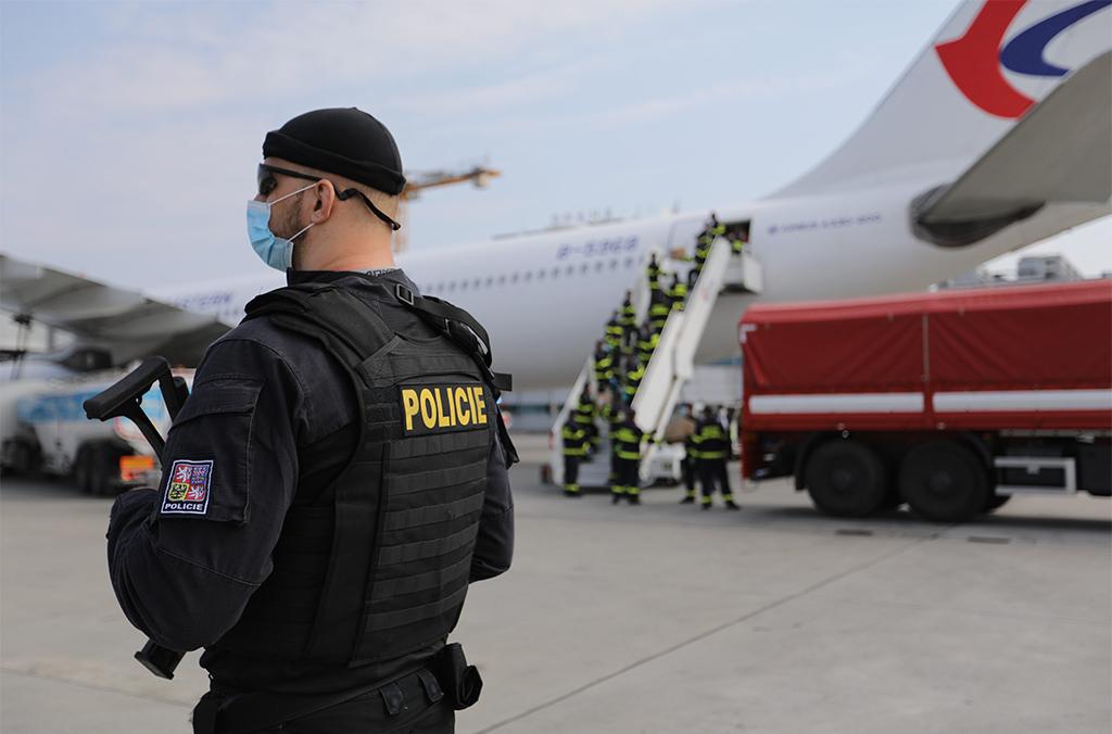 interpol-aide-les-polices-a-lutter-contre-la-fraude-au-vaccin