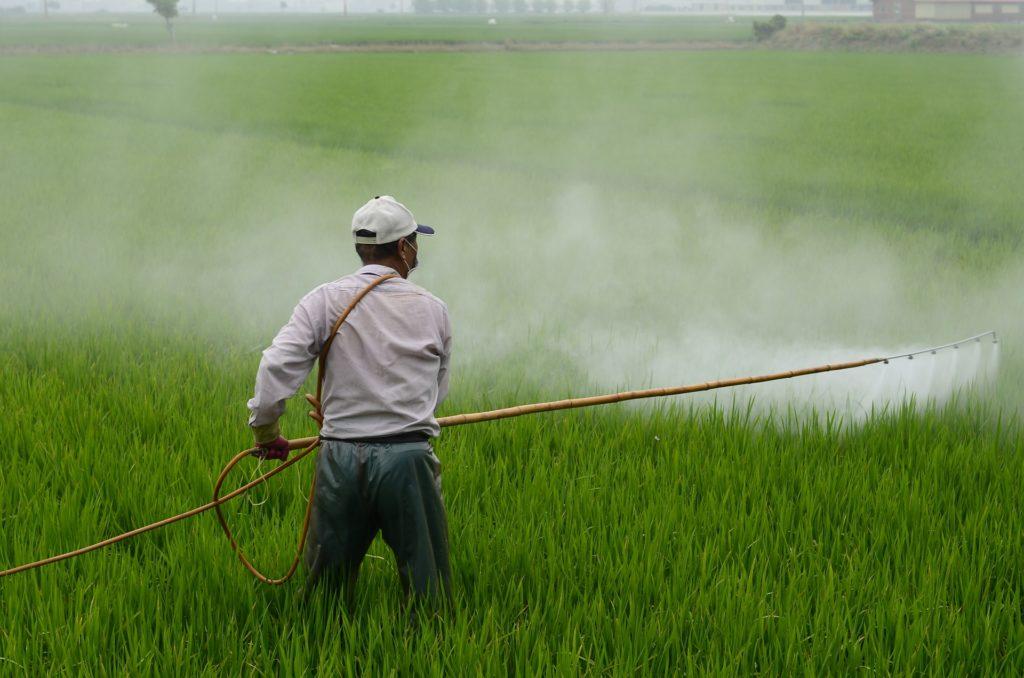 les-perturbateurs-endocriniens-se-retrouvent-dans-les-pesticides